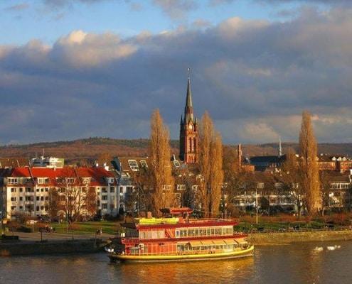 Escort Bonn läd Sie zum geniessen ein . Lassen Sie sich von unseren Escort Models verzaubern.