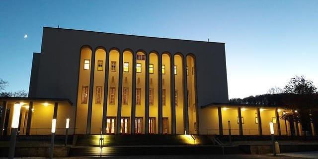 Lassen Sie sich von Ihrem Escort Service Bielefeld beraten und lernen Sie die Stadt neu kennen