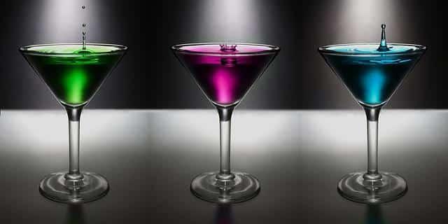 Lassen Sie den Abend in eienr Bar mit unserer Escort Berlin Dame ausklingen