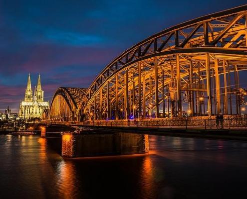 Escort Köln verwöhnt Sie mit hinreissenden Models in ganz NRW.