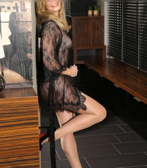 Lassen Sie sich hinreissen zu einem Date mit Escort Agentur Dame Klara aus Düsseldorf.