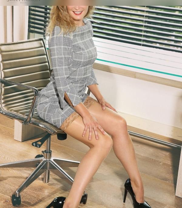 Lernen Sie unsere neue Escort Lady Düsseldorf Klara kennen und lieben.