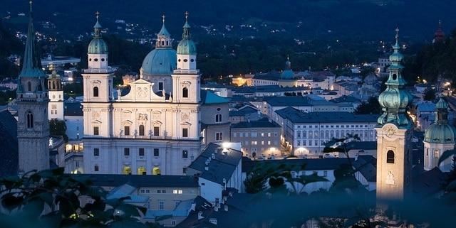 Ein Tag mit einem Escort in Salzburg