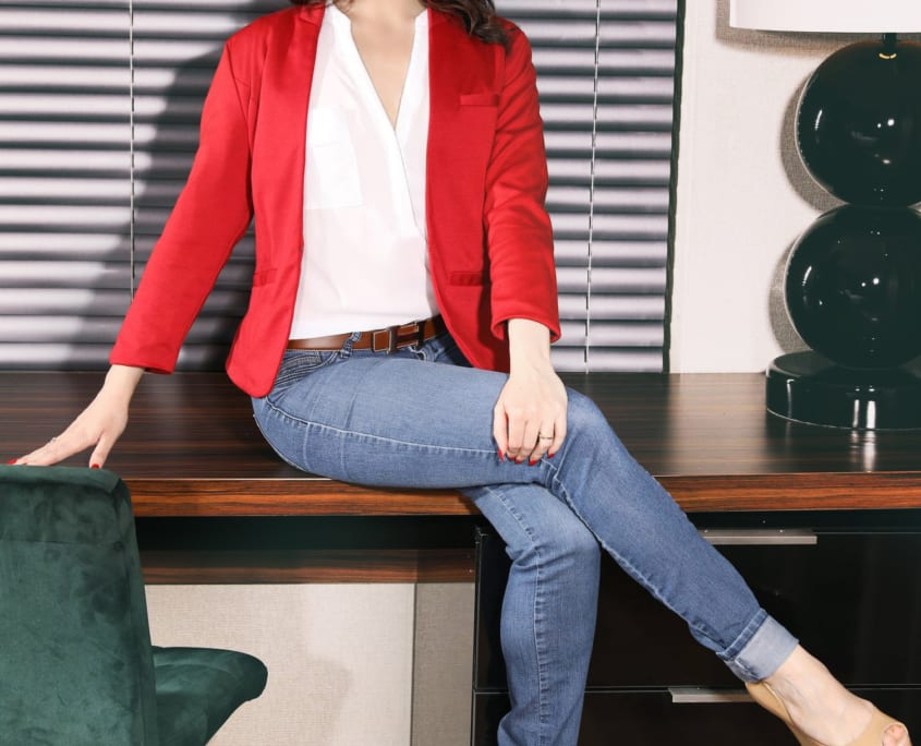 Mature Escortmodel Carmen freut sich auf Gespräche, Events und intime Momente.